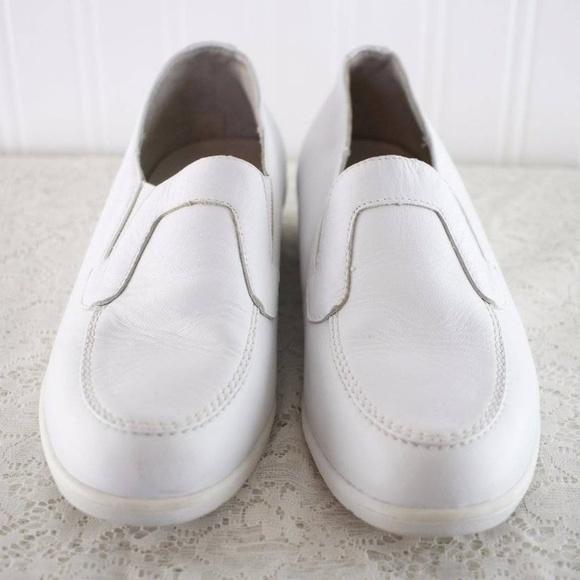 e74e11d6b Propet Shoes   Comfort Leisure Walker Clogs   Poshmark